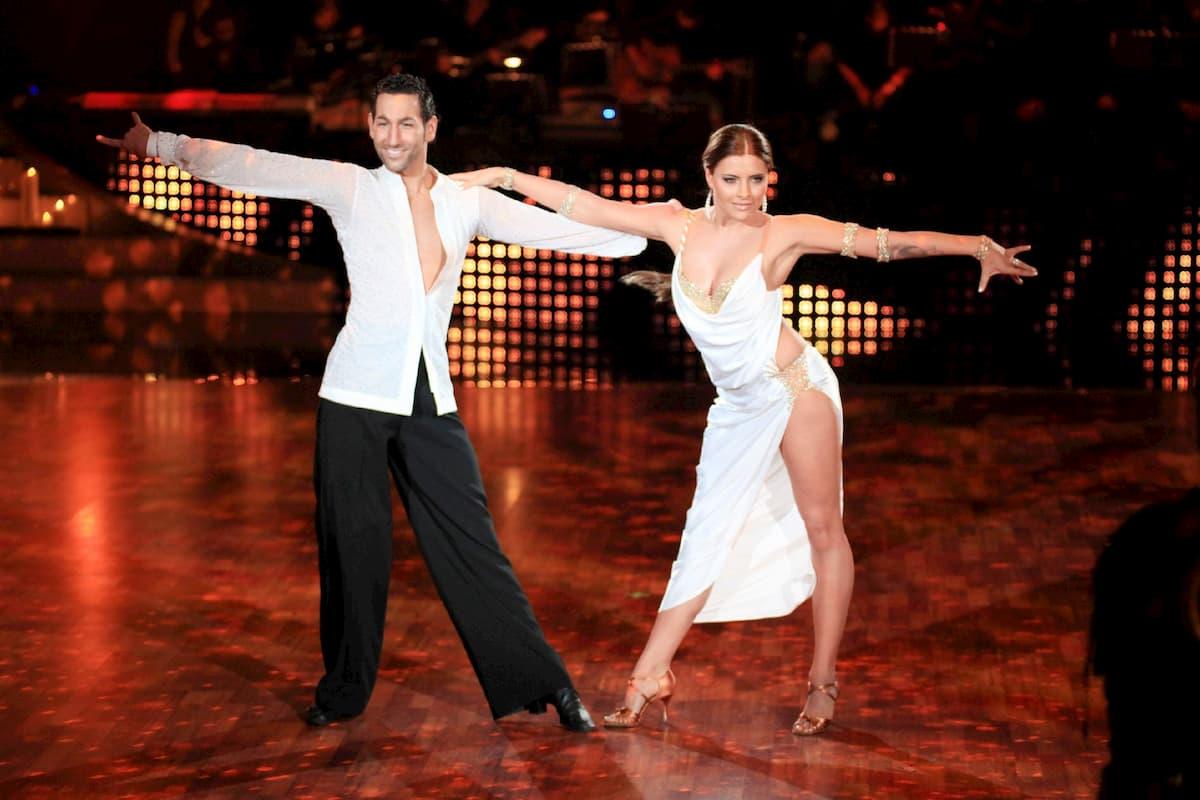 Sophia Thomalla - Massimo Sinato bei Let's dance am 28.5.2020, ursprünglich bei Let's dance 2010, Platz 1