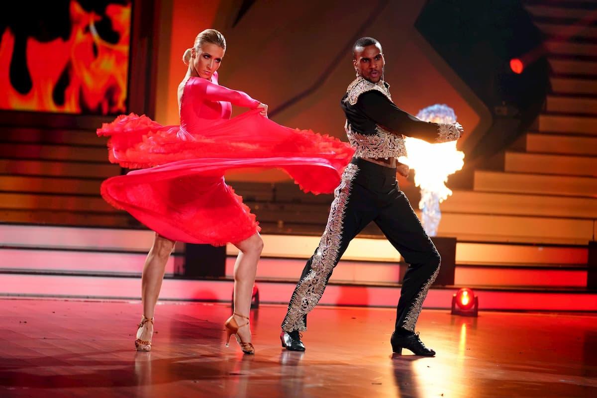 Tijan Njie - Kathrin Menzinger bei Let's dance am 15.5.2020