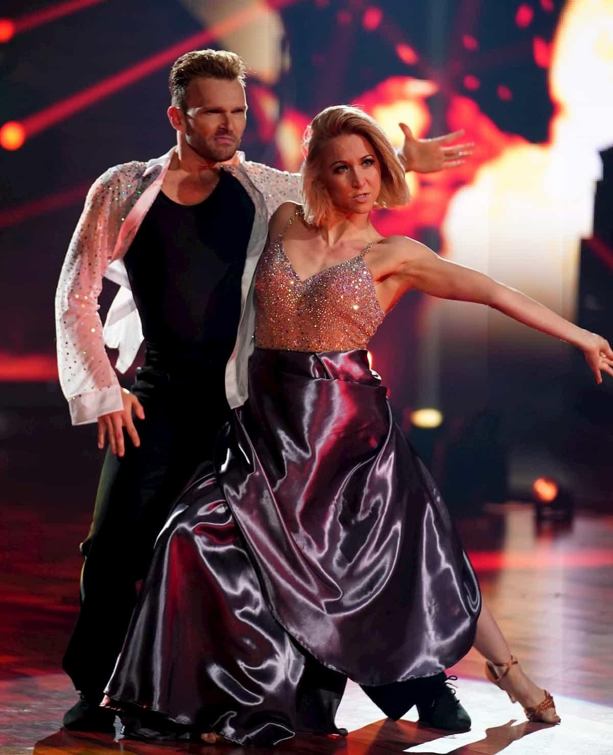 Vadim Garbuzov - Kathrin Menzinger bei der Profi-Challenge Let's dance am 29.5.2020