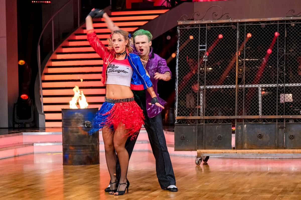 Dancing Stars 30.10.2020 Michaela Kirchgasser - Vadim Garbuzov