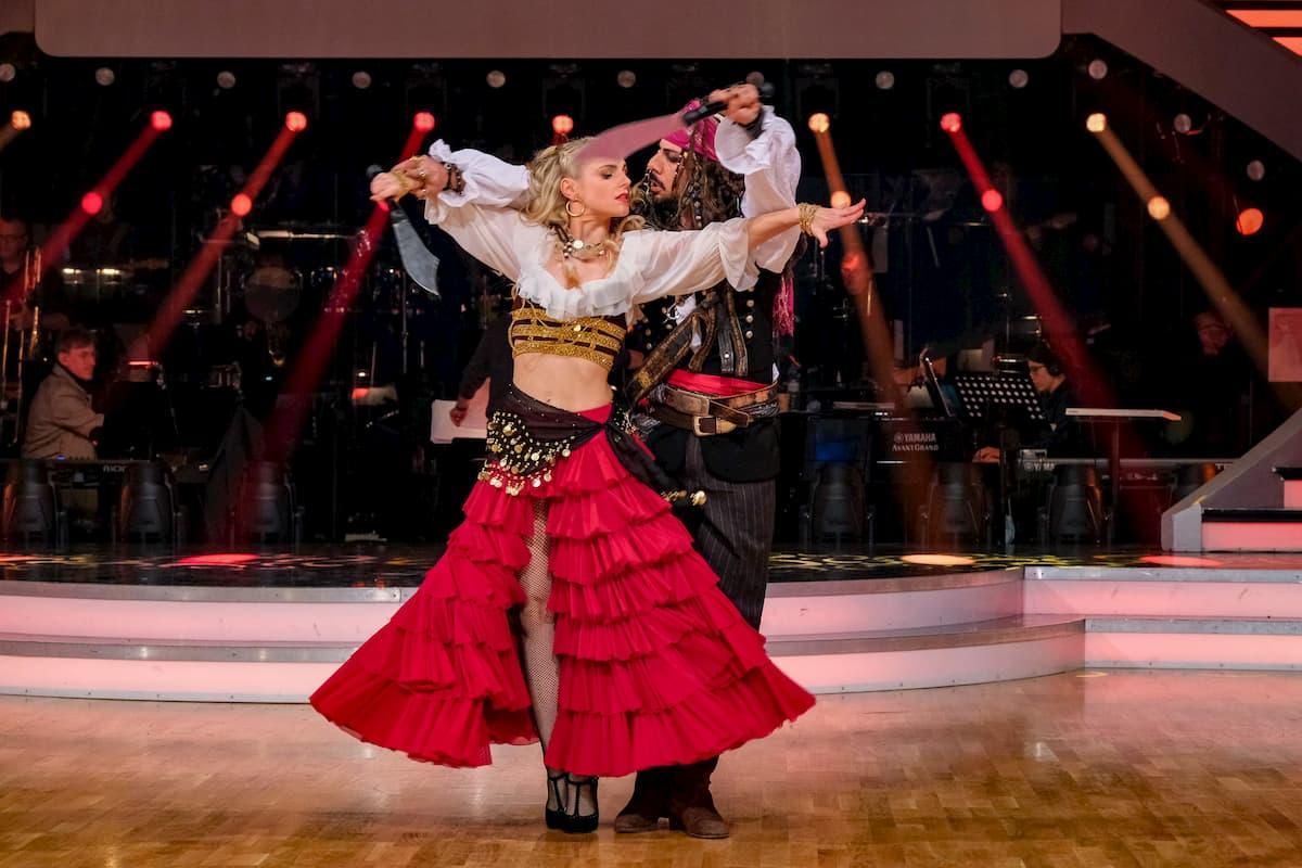 Dancing Stars 30.10.2020 Silvia Schneider - Danilo Campisi