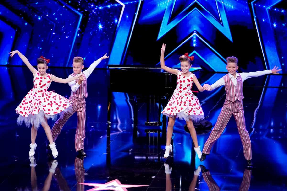 Tanzpaare Philipp und Letizia sowie David und Eliana beim Supertalent am 31.10.2020