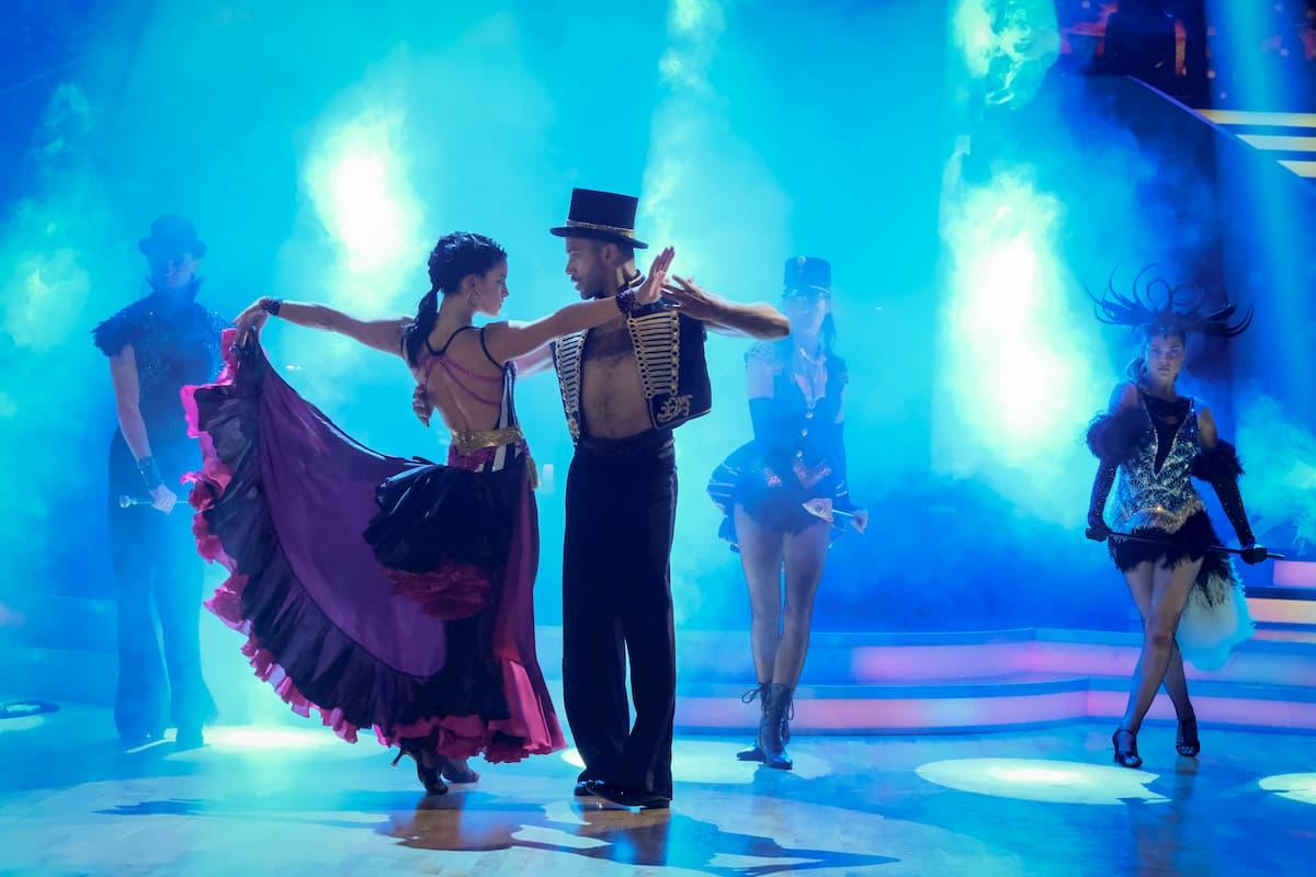 Cesar Sampson - Conny Kreuter in ihrem Show-Tanz Finale Dancing Stars 2020 am 27.11.2020