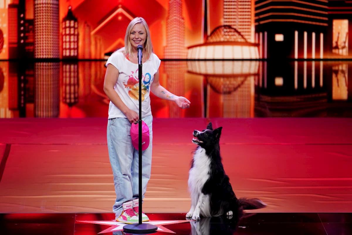 Melanie Felix mit ihrem Border Collie Ayden Kandidaten beim Supertalent am 28.11.2020