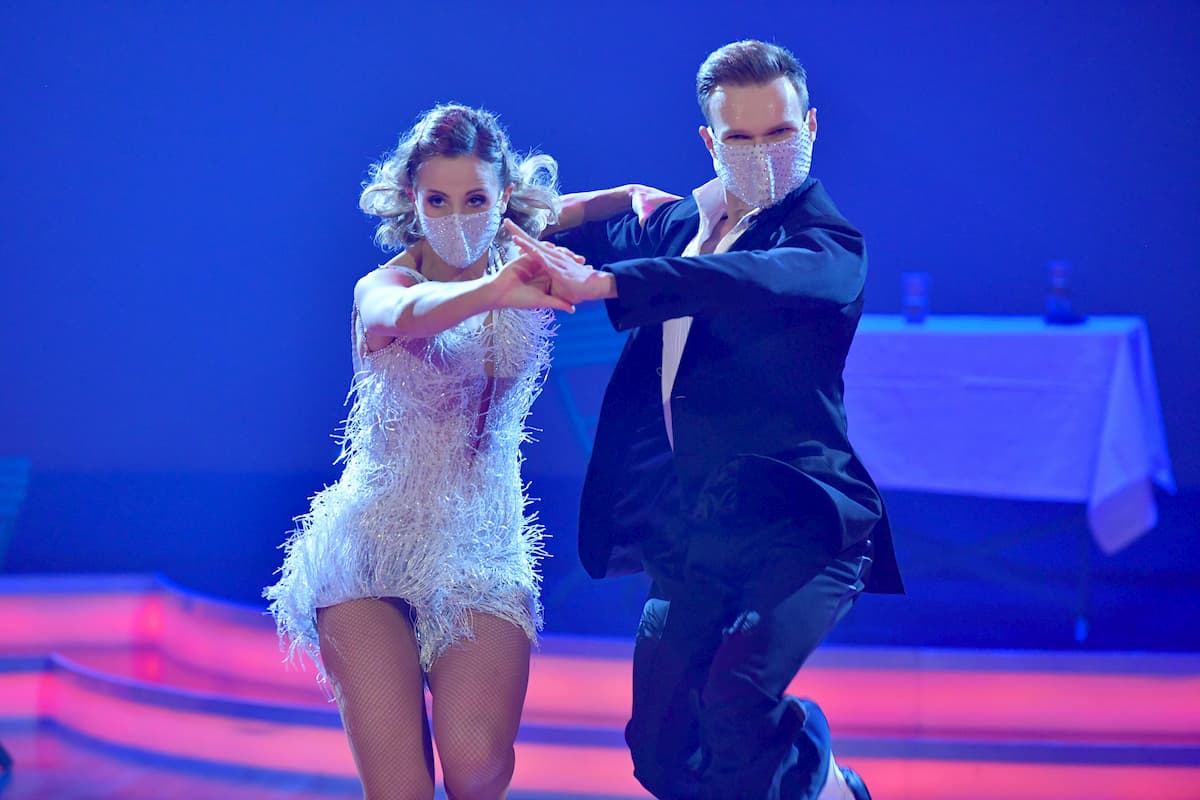 Michaela Kirchgasser - Vadim Garbuzov in ihrem Show-Tanz Finale Dancing Stars 2020 am 27.11.2020