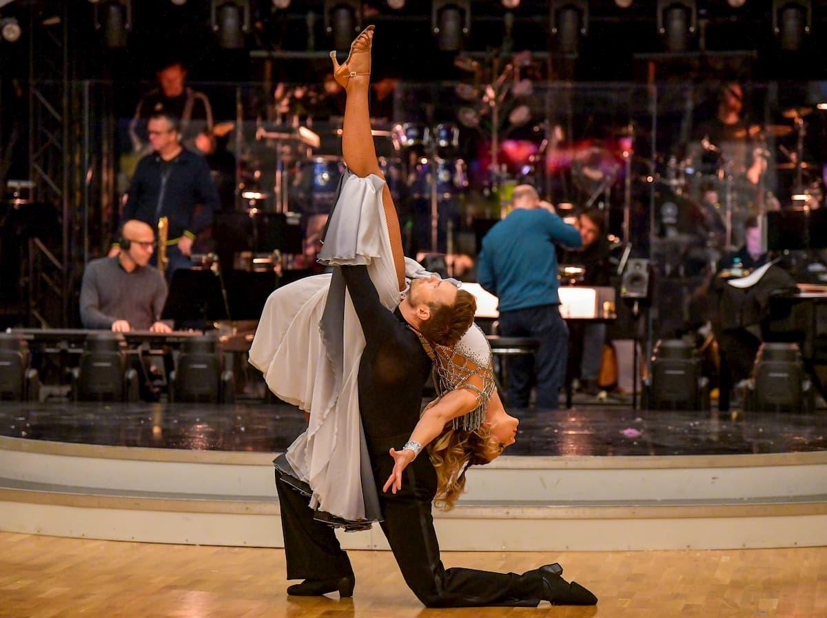 Michaela Kirchgasser und Vadim Garbuzov im Halbfinale Dancing Stars 2020