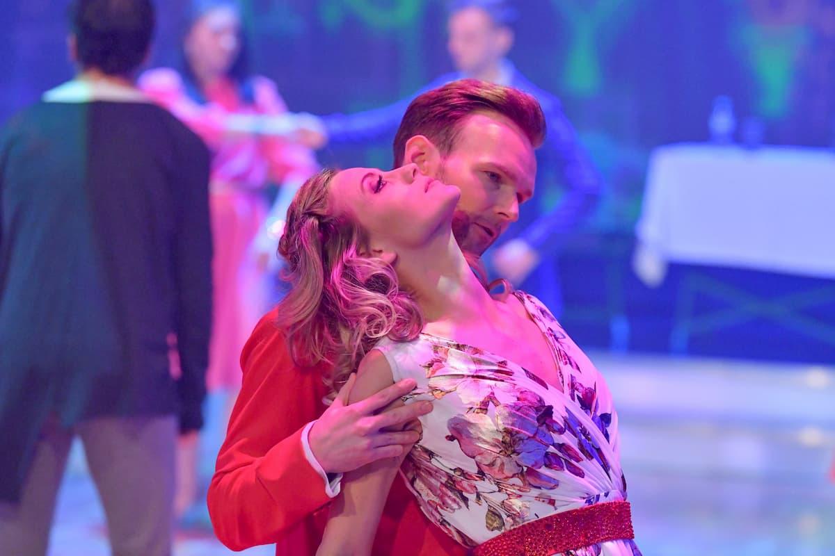 Michi Kirchgasser - Vadim Garbuzov Show-Tanz Finale Dancing Stars 2020 am 27.11.2020