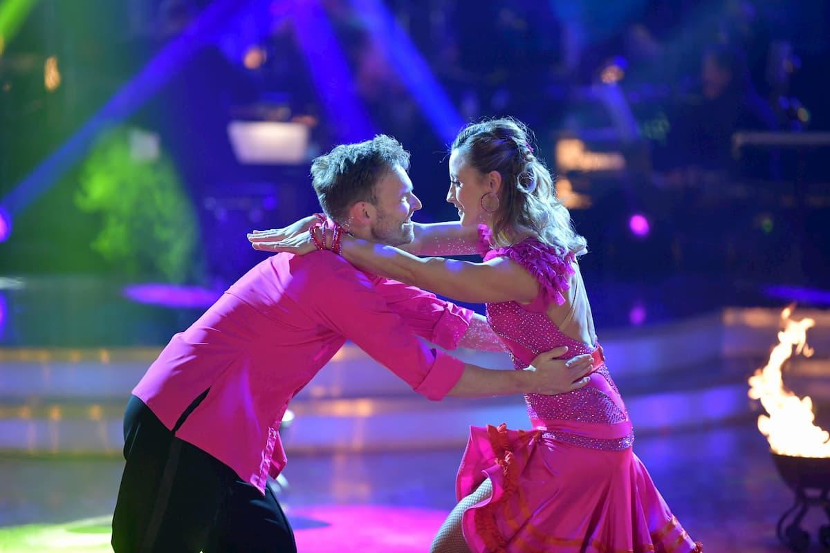 Michi Kirchgasser - Vadim Garbuzov beim Salsa im Finale Dancing Stars 2020 am 27.11.2020