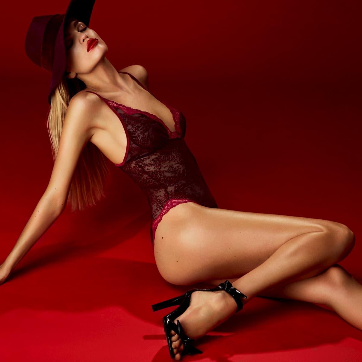Andres Sarda Lingerie-Kollektion Winter 2020-2021 Mamba Body, Farbe Rouge Boudoir