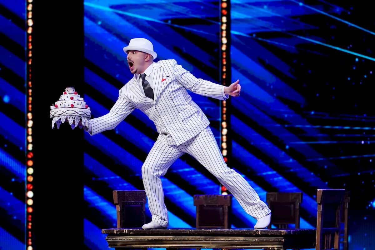 Artist Maxim Popazov beim Supertalent am 5.12.2020