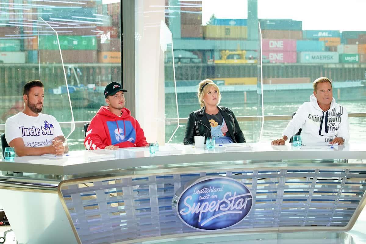 DSDS-Jury 2021 bei den Castings - auf dem Foto zu sehen von rechts nach links Dieter Bohlen, Maite Kelly, Mike Singer und Michael Wendler
