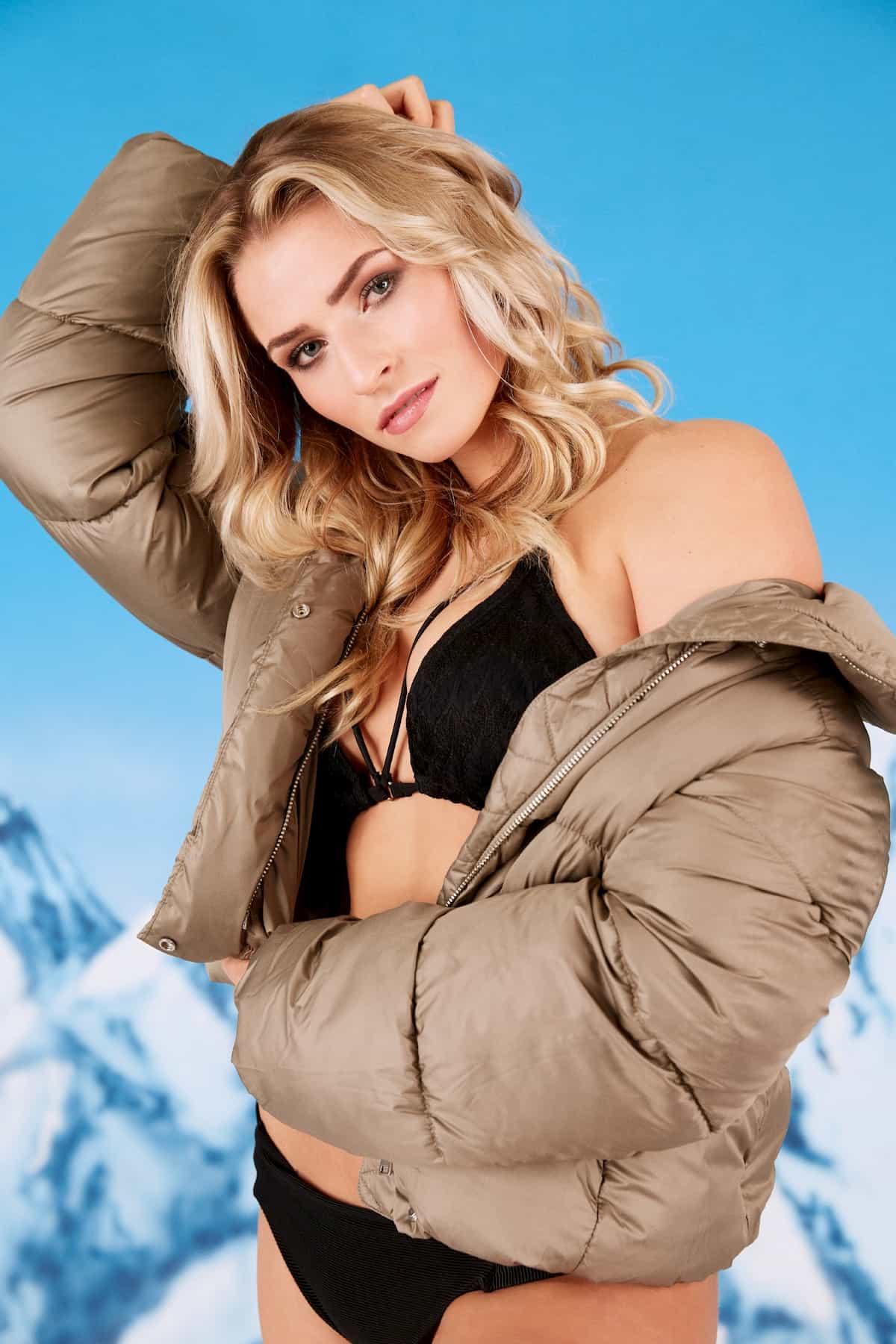 Laura - Bachelor 2021 Kandidatin im Bikini