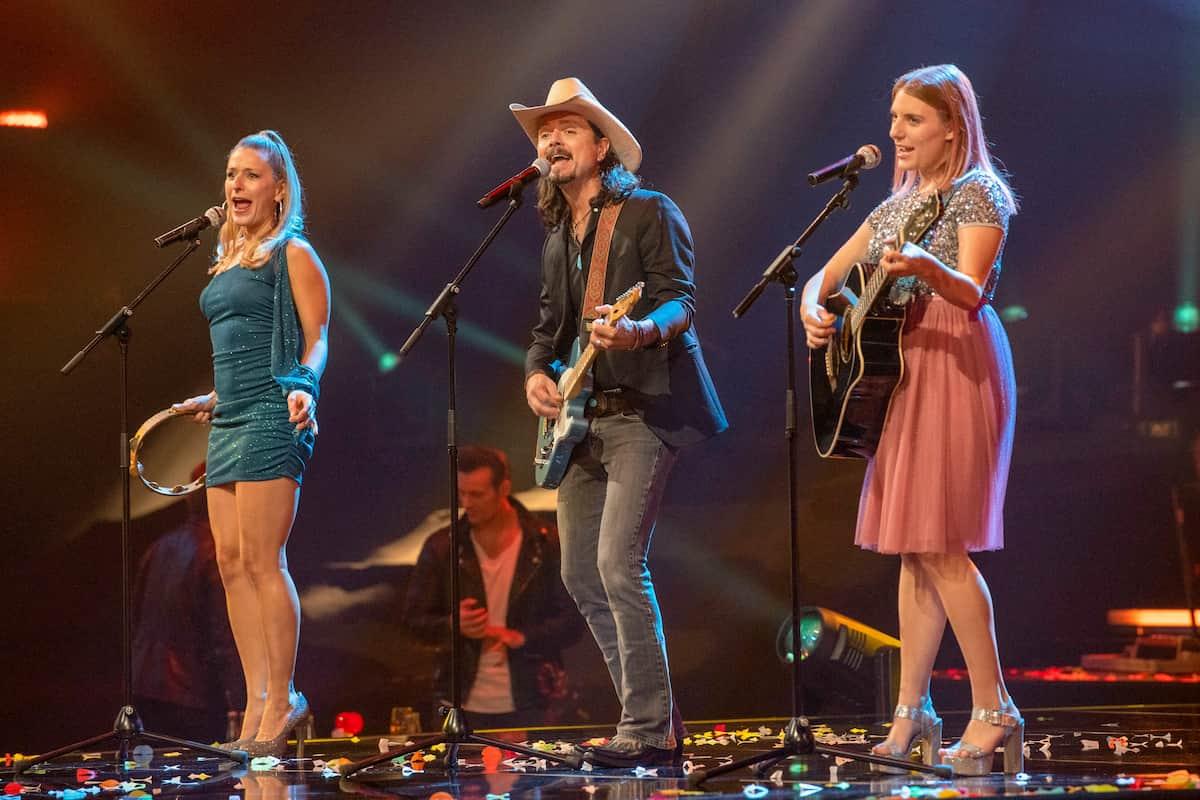More Than Words - Stefanie Hertel mit Familie (Tochter und Mann) in der Silvester-Show 31.12.2020 Pilawa in ARD und ORF