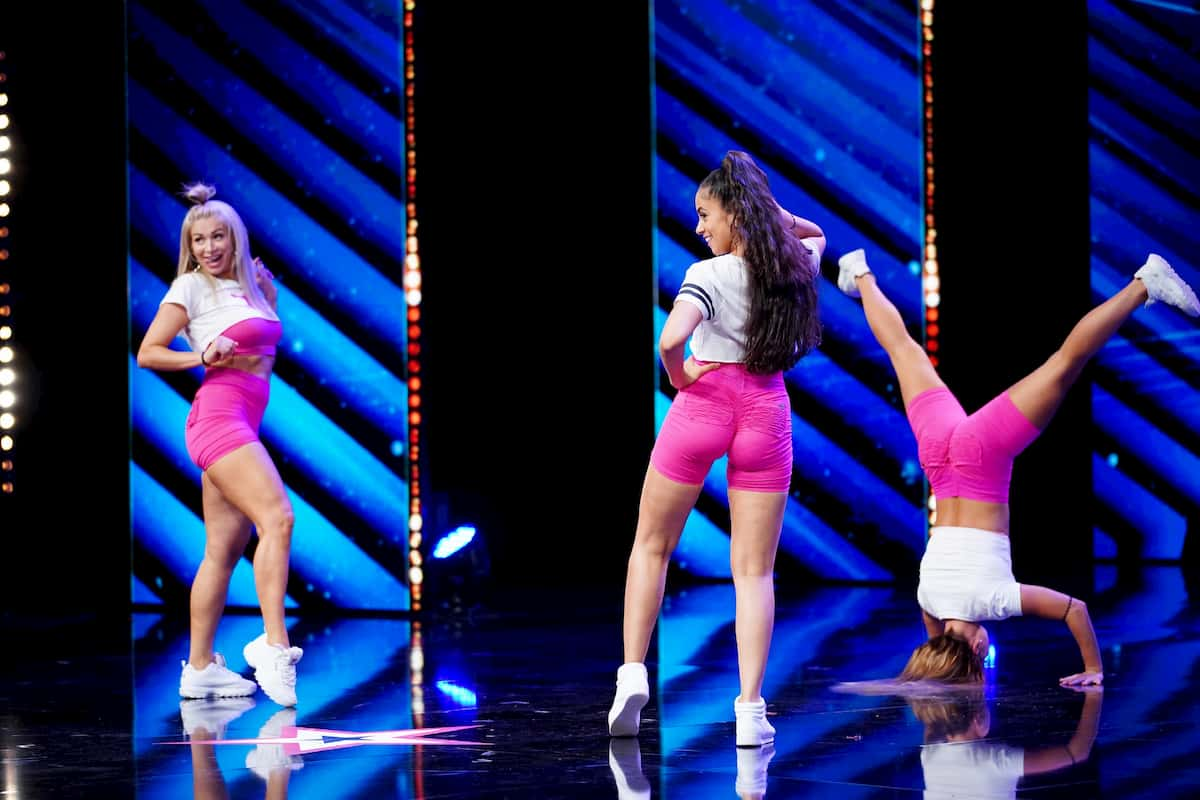 Twerking-Gruppe twerXout-Team beim Supertalent am 5.12.2020