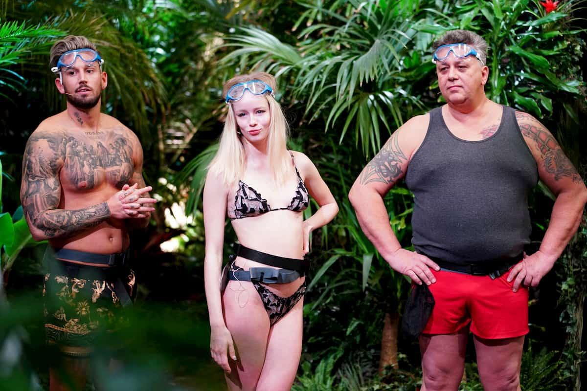 Mike Heiter, Zoe Saip und Frank Fussbroich vor der 1. Dschungelprüfung 2021