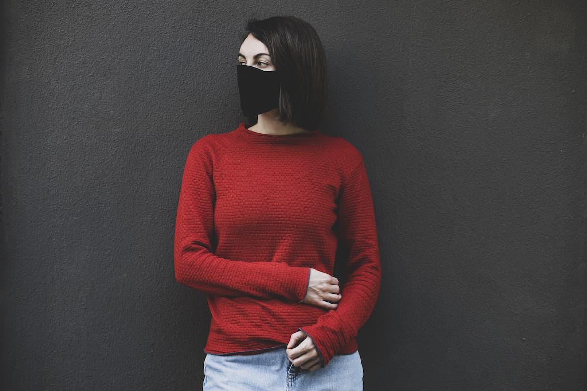 Schwarze Gesichtsmasken - Mode 2021