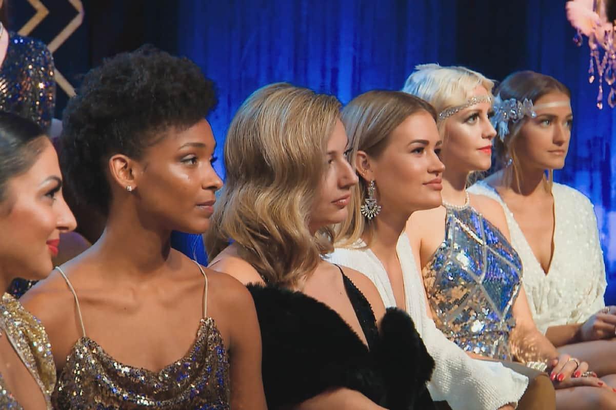 Nora, Debora, Hannah, Jacqueline B., Melissa und Mimi in der Nacht der Rosen beim Bachleor am 3.2.2021