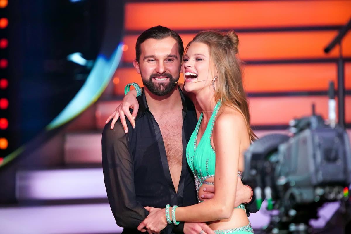Pasha Zvychaynyy und Kim Riekenberg bei Let's dance am 26.2.2021