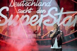 DSDS am 27.3.2021 Halbfinale - Live-Show aus Duisburg - hier im Bild Finalist Kevin Jenewein