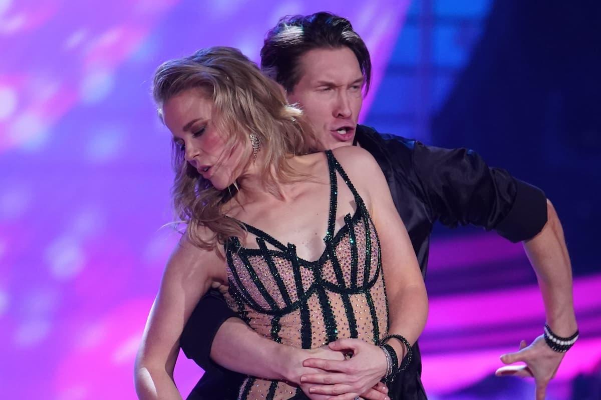 Ilse DeLange - Evgeny Vinokurov bei Let's dance am 12.3.2021