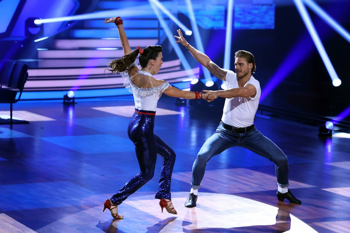 Renata Lusin und Rurik Gislason bei Let's dance am 19.3.2021