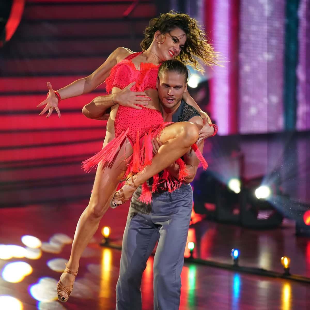 Rurik Gislason und Renata Lusin bei Let's dance am 5.3.2021