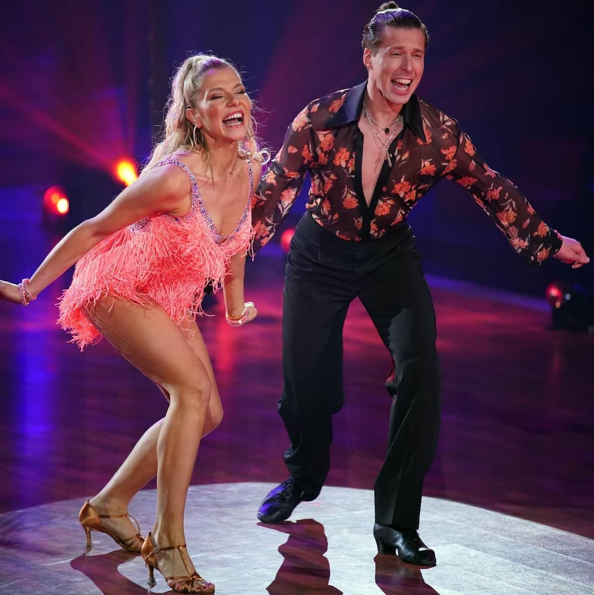 Valentina Pahde - Valentin Lusin bei Let's dance am 26.3.2021