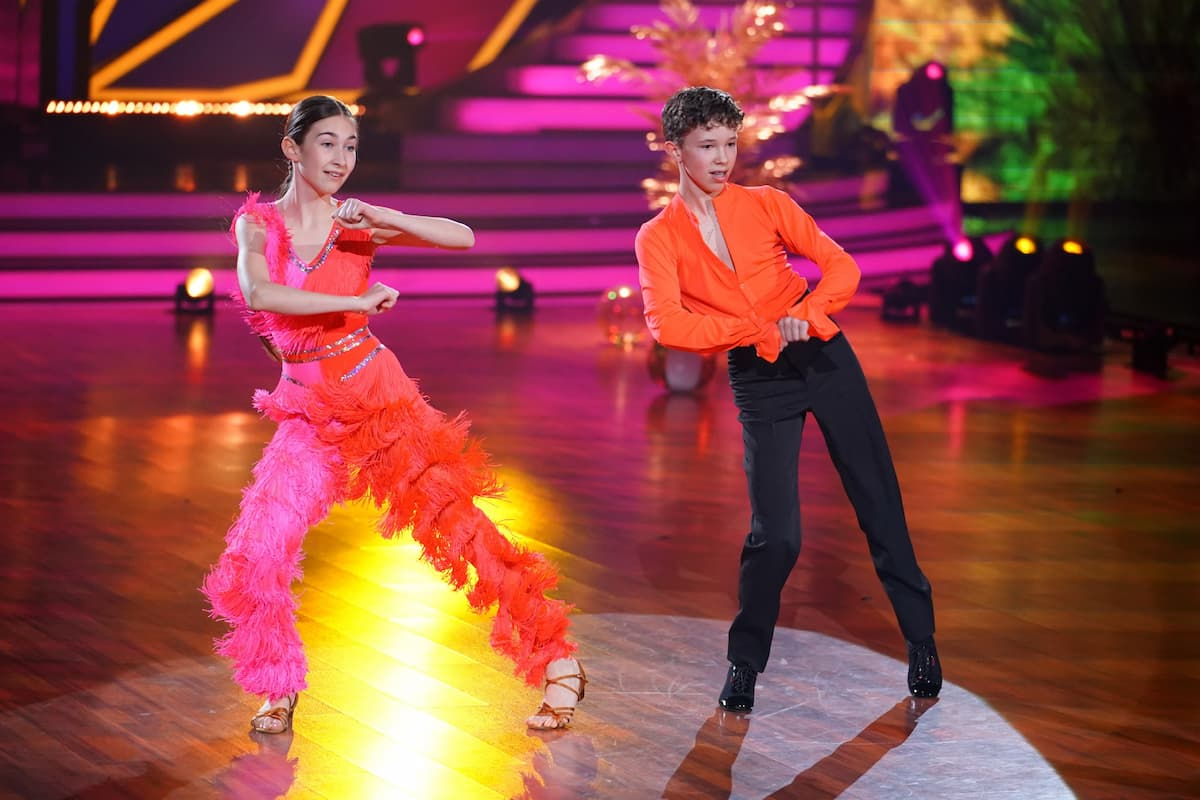 Angelina Stecher-Williams - Erik Rettich tanzen im Finale Let's dance Kids 2021