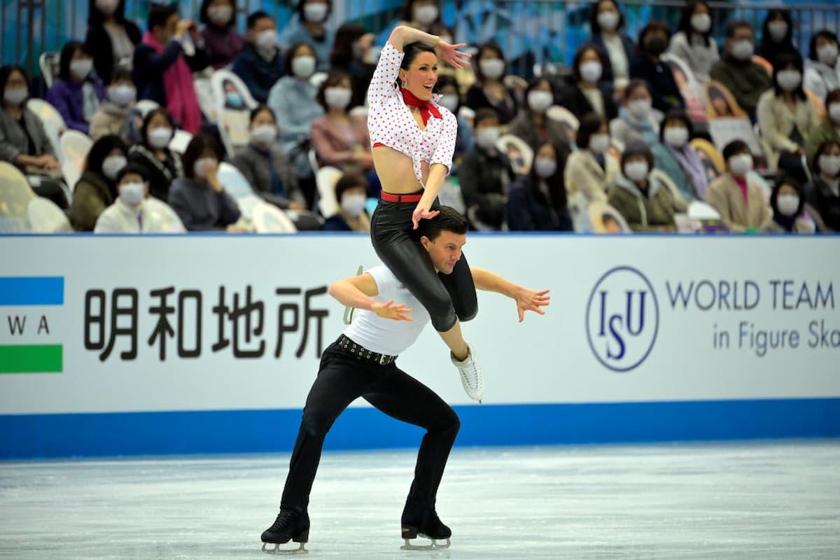 Charlene Guignard - Marco Fabbri Platz 2 bei der World Team Trophy 2021 in Osaka nach dem Rhythm Dance im Eistanz