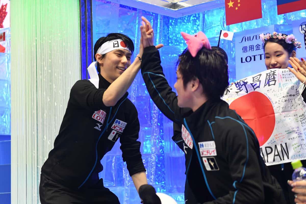 Eiskunstlauf World Team Trophy 2021 Ergebnisse aus Japan - hier im Bild Yuzuruh Hanyu und Shoma Uno bei einer der letzten World Team Trophy