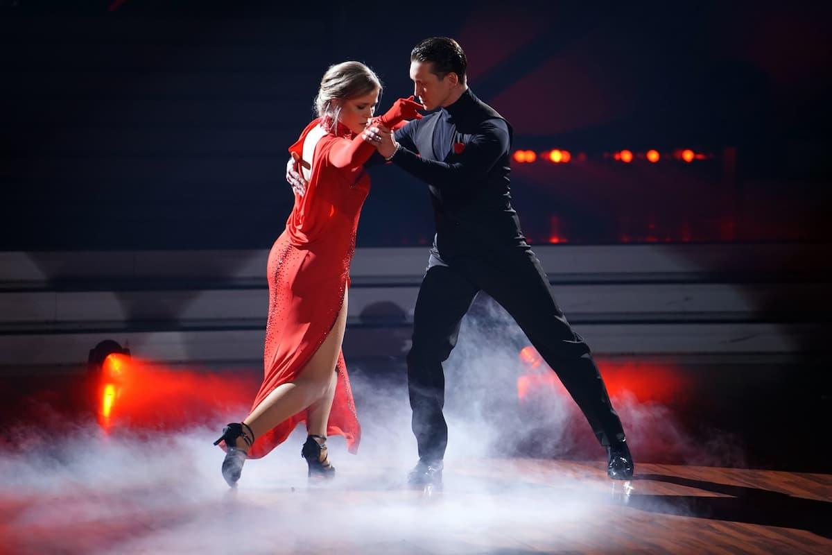 Ilse DeLange und Evgeny Vinokurov bei Let's dance am 9.4.2021