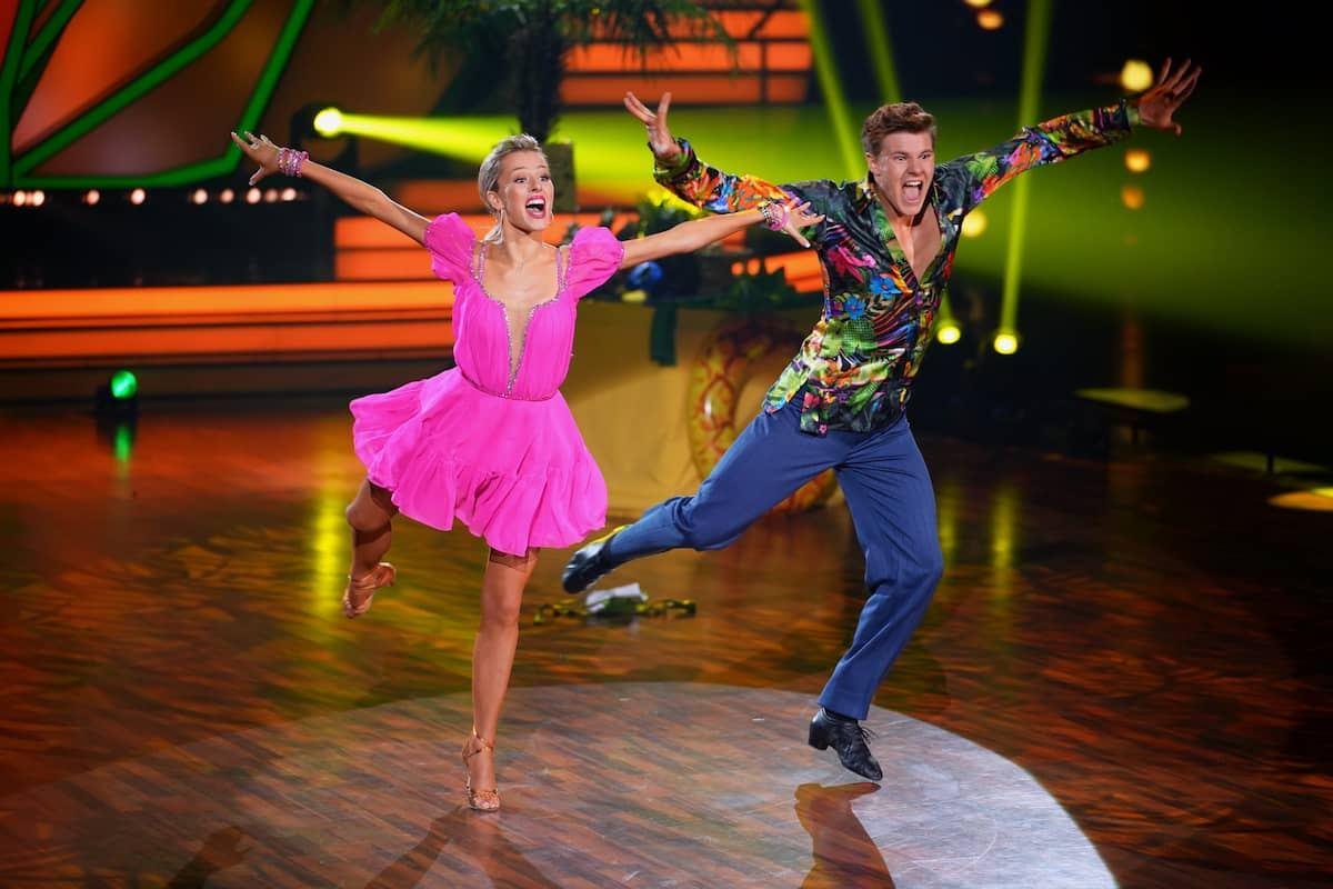 Patricija Belousova und Simon Zachenhuber bei Let's dance am 9.4.2021