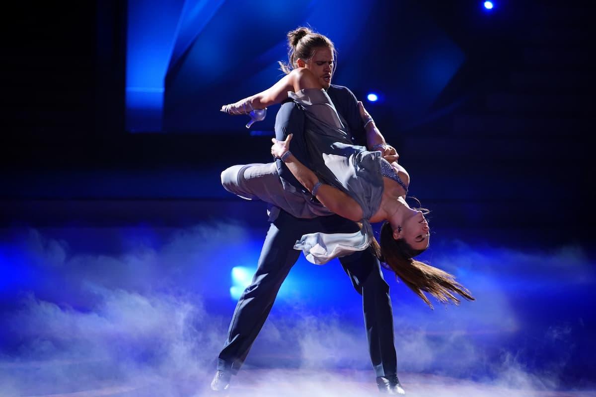 Rurik Gislason und Renata Lusin bei Let's dance am 16.4.2021