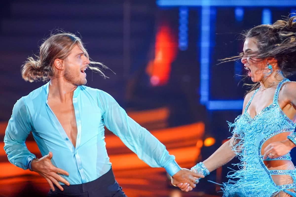 Rurik Gislason und Renata Lusin bei Let's dance am 23.4.2021