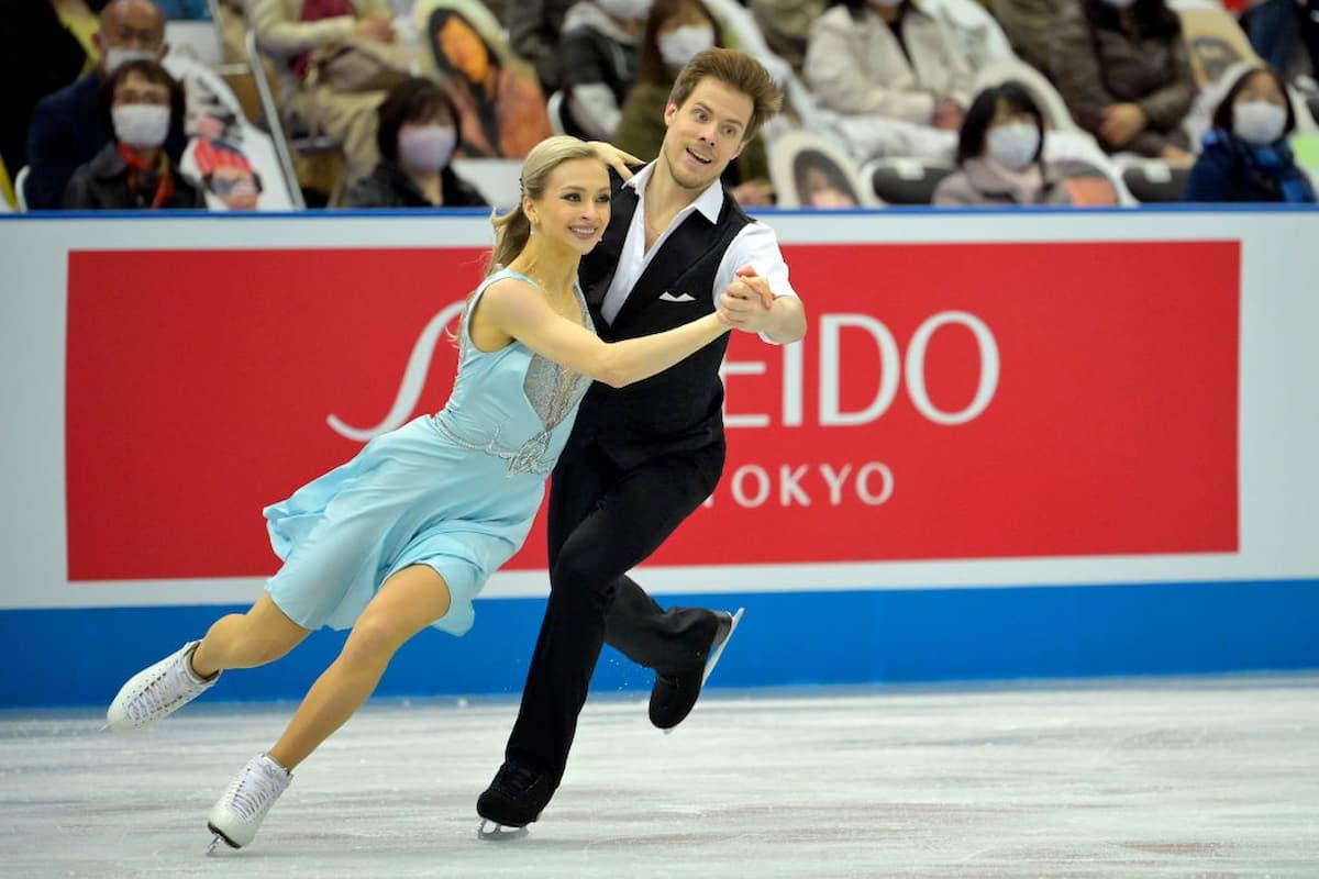 Victoria Sinitsina - Nikita Katsalapov Platz 1 bei der World Team Trophy 2021 in Osaka nach dem Rhythm Dance im Eistanz