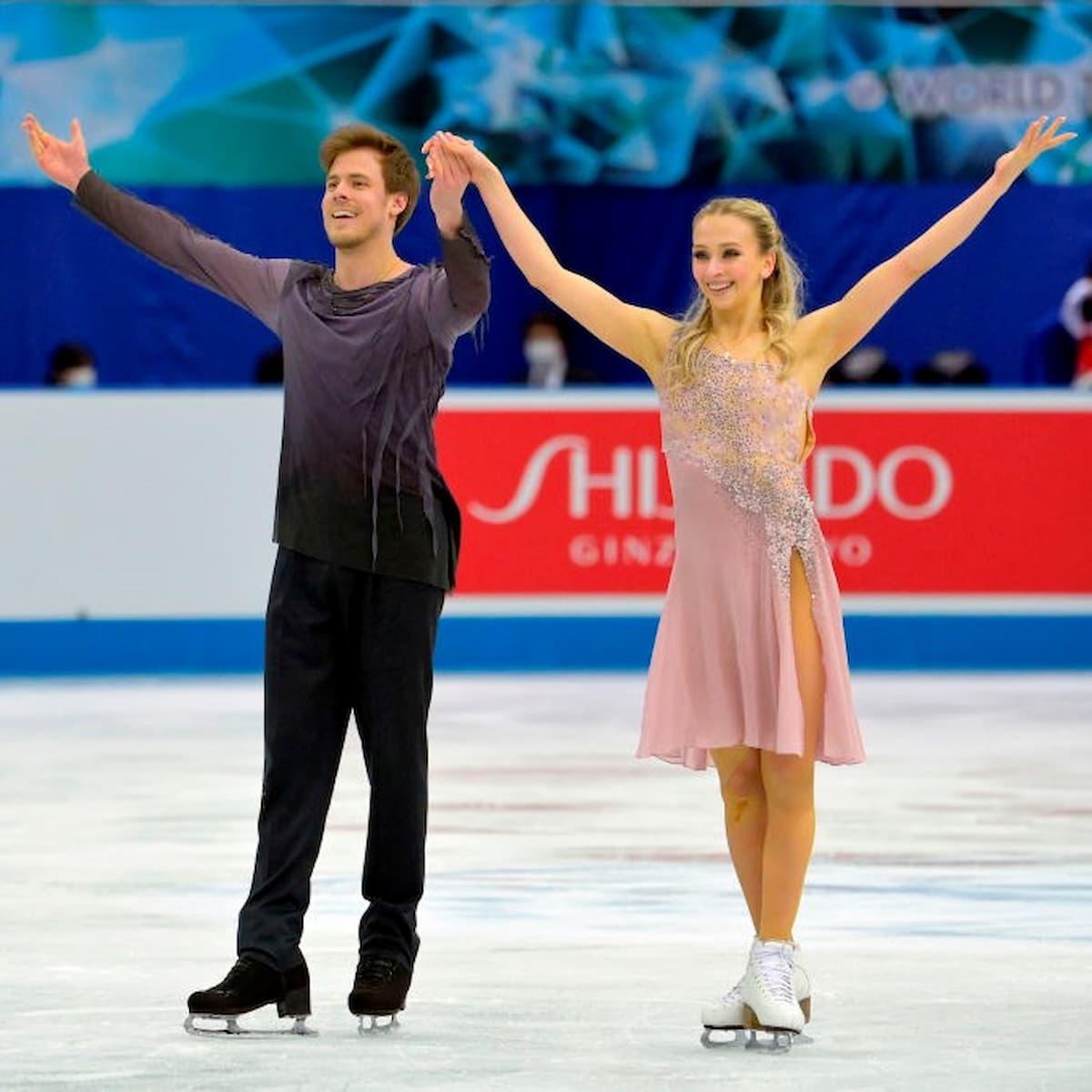 Victoria Sinitsina und Nikita Katsalapov für Russland im Paarlauf bei der World Team Trophy 2021