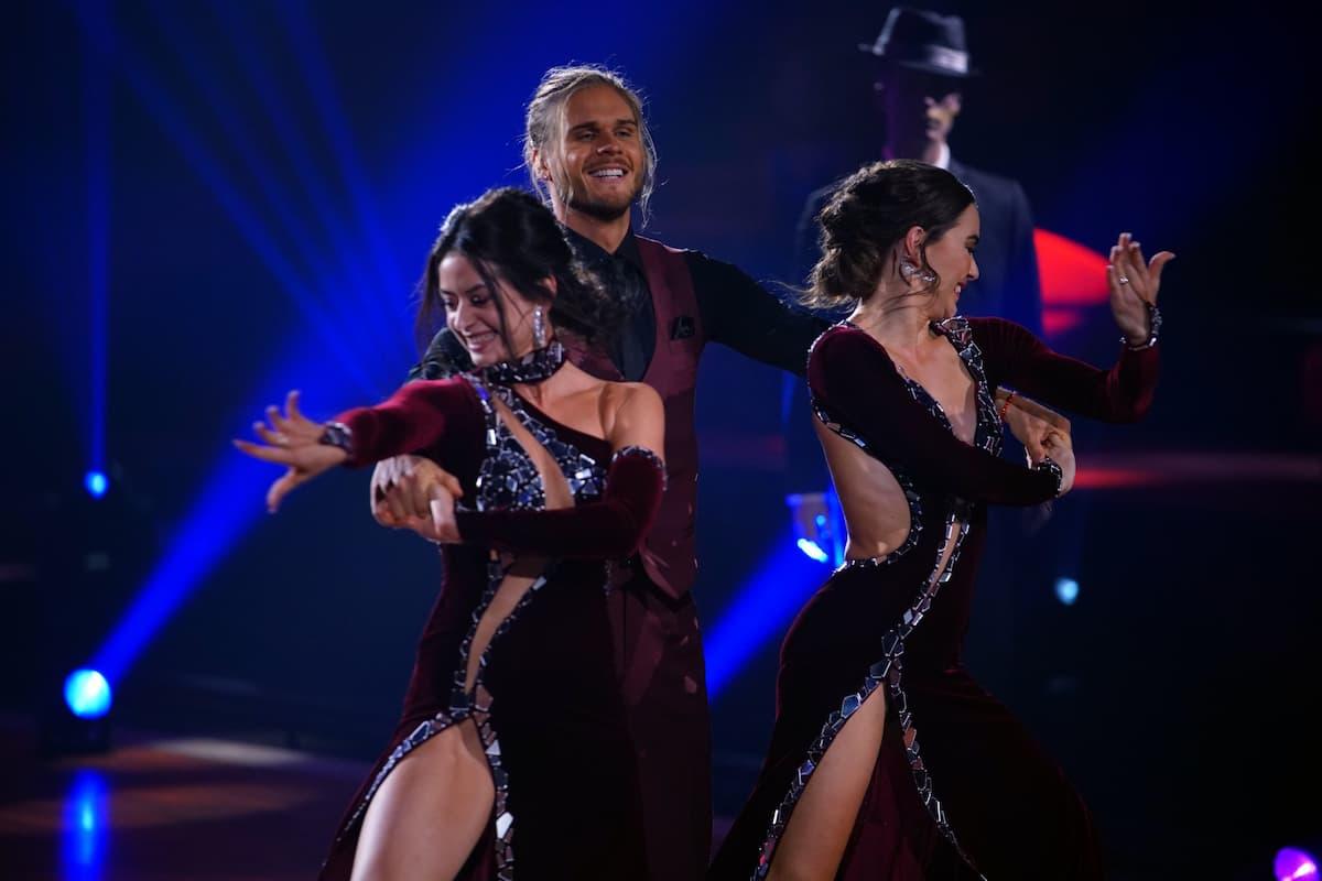 Malika Dzumaev, Rurik Gislason beim Slowfox Let's dance am 14.5.2021