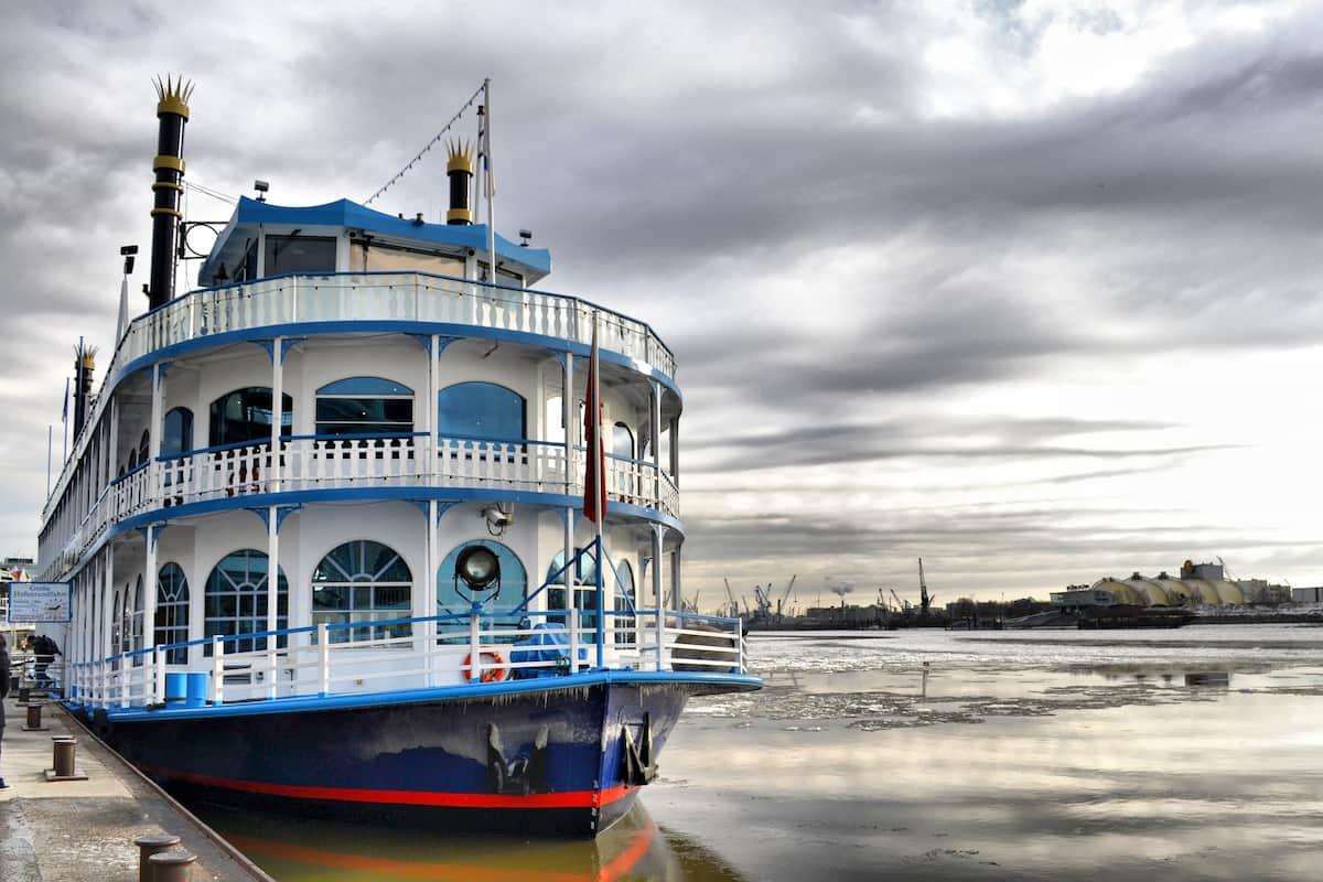 Salsa-Boote und Salsa-Schiffe - immer wieder beliebte Tanz-Gelegenheiten