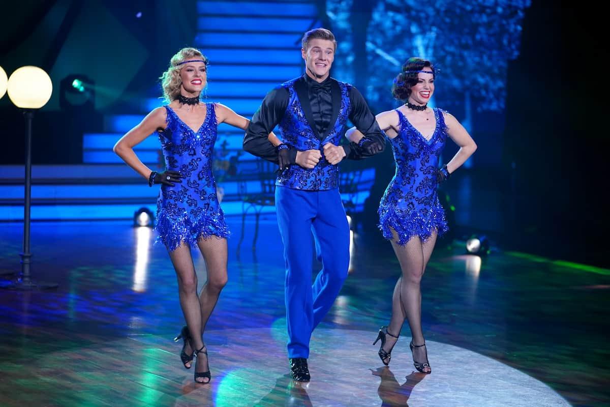 Simon Zachenhuber mit Patricija Belousova und Christina Luft bei Trio-Tanz Let's dance am 14.5.2021