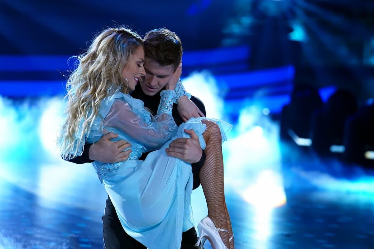 Simon Zachenhuber und Patricija Belousova beim Freestyle bei Let's dance am 7.5.2021