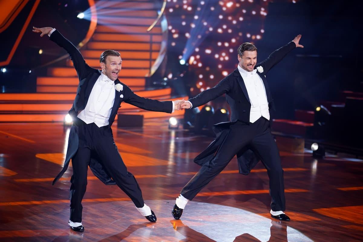 Vadim Garbuzov und Nicolas Puschmann beim Quickstep bei Let's dance am 30.4.2021