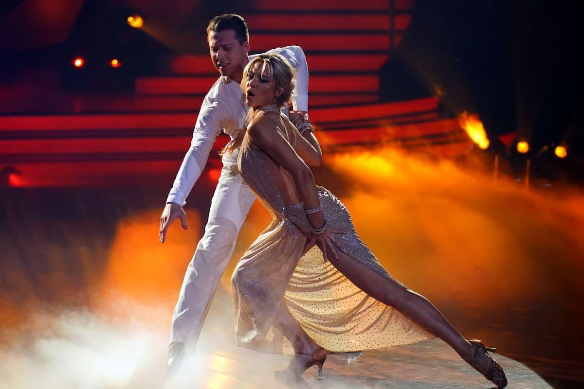 Valentin Lusin und Valentina Pahde tanzen im Finale Let's dance am 28.5.2021