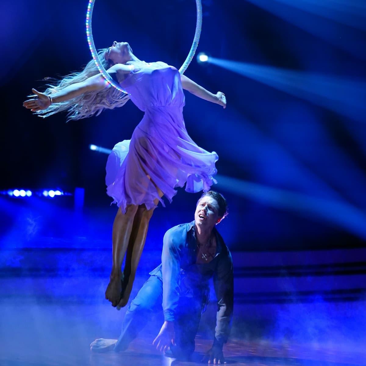 Valentina Pahde mit Valentin Lusin beim Contemporary Let's dance 14.5.2021