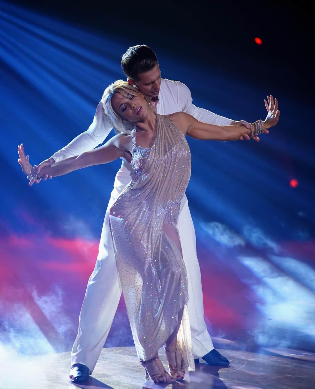Valentina Pahde und Valentin Lusin Rumba 2. Platz im Finale Let's dance am 28.5.2021