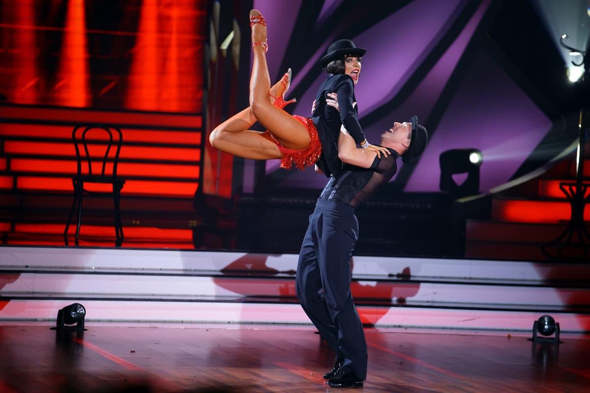 Valentina Pahde und Valentin Lusin bei ihrem Charleston bei Let's dance am 30.4.2021
