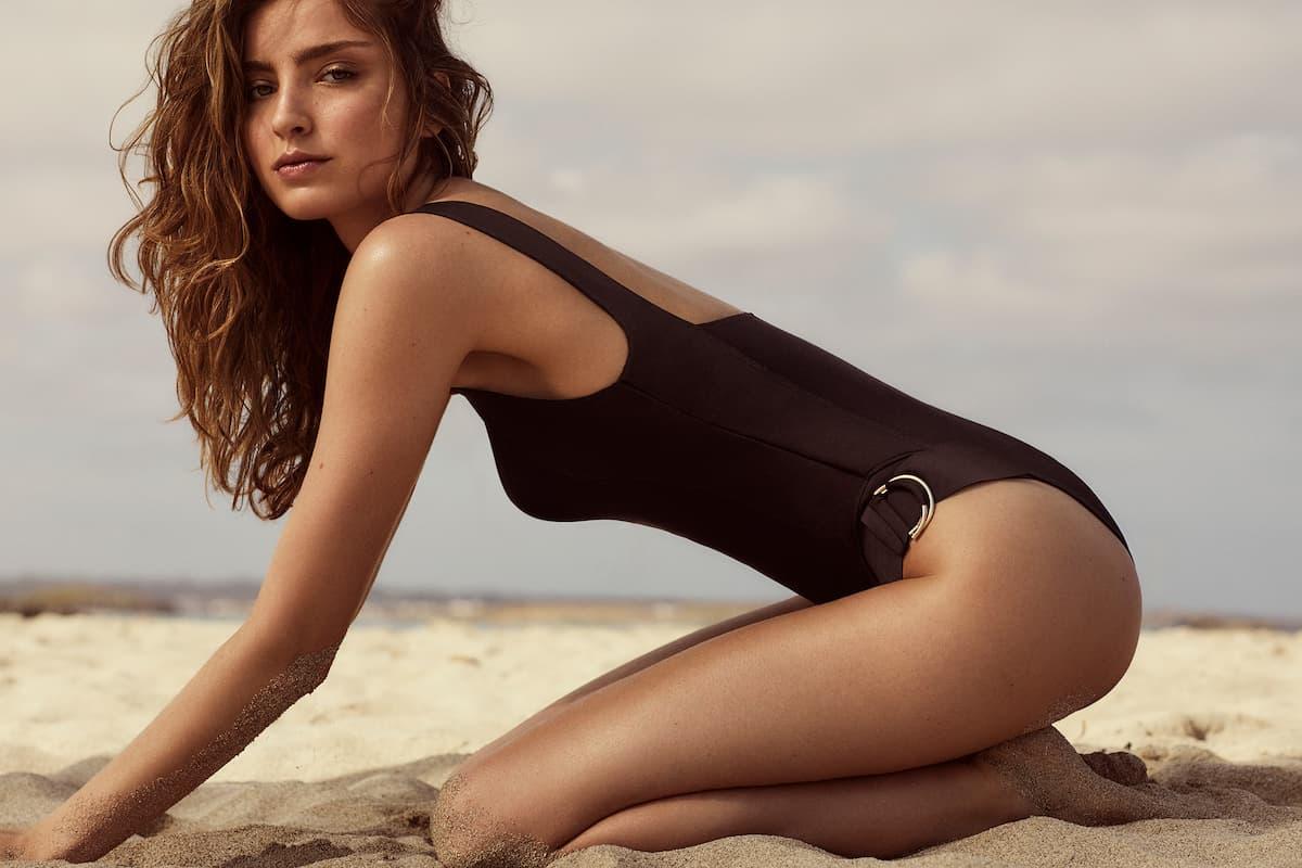 Andres Sarda 2021 Swimwear Neue Bikinis, Badeanzüge, Strandkleider, Farben und Muster - hier im Bild Badeanzug Modell Kathryn