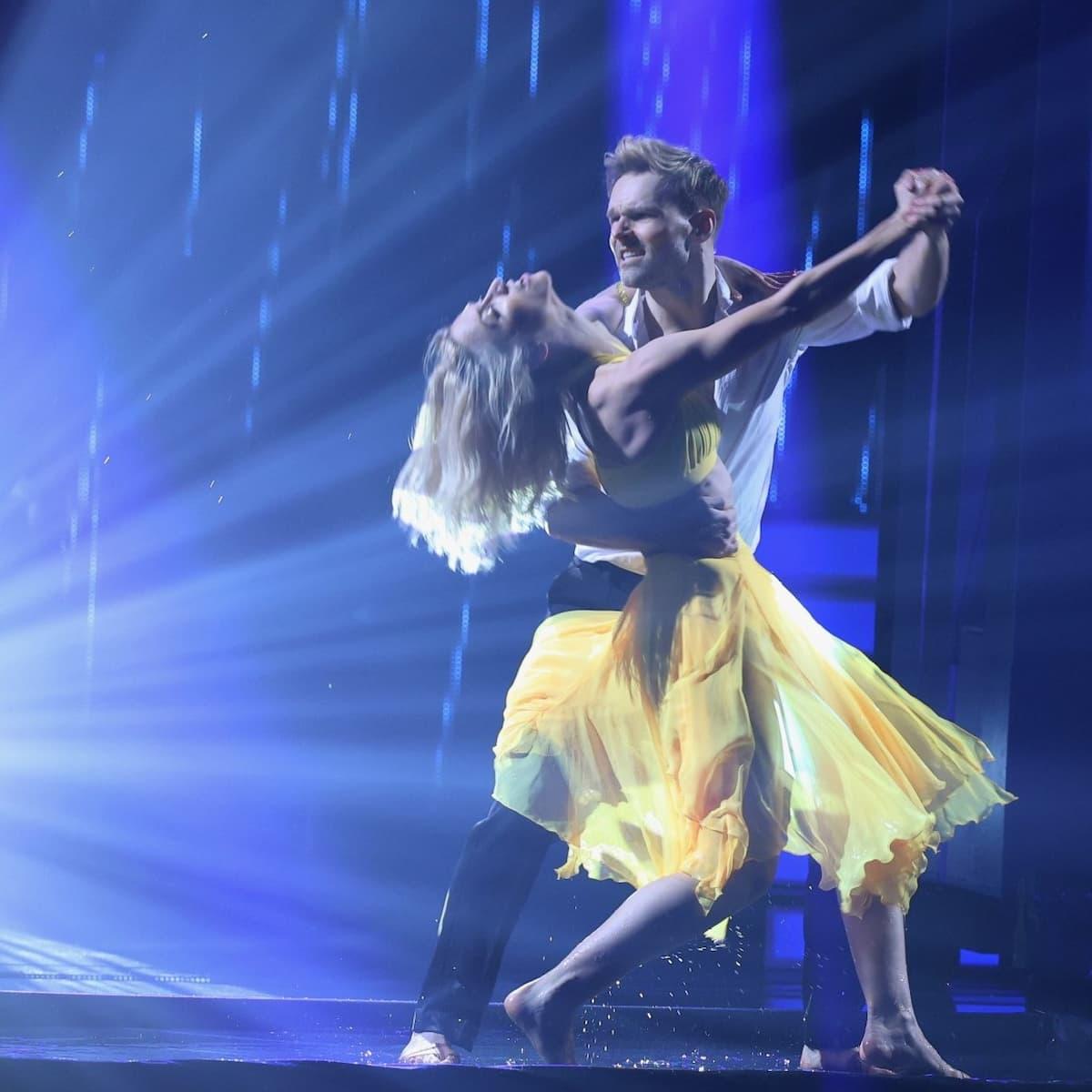Kathrin Menzinger - Vadim Garbuzov Platz 2 Profi-Challenge Let's dance am 4.6.2021