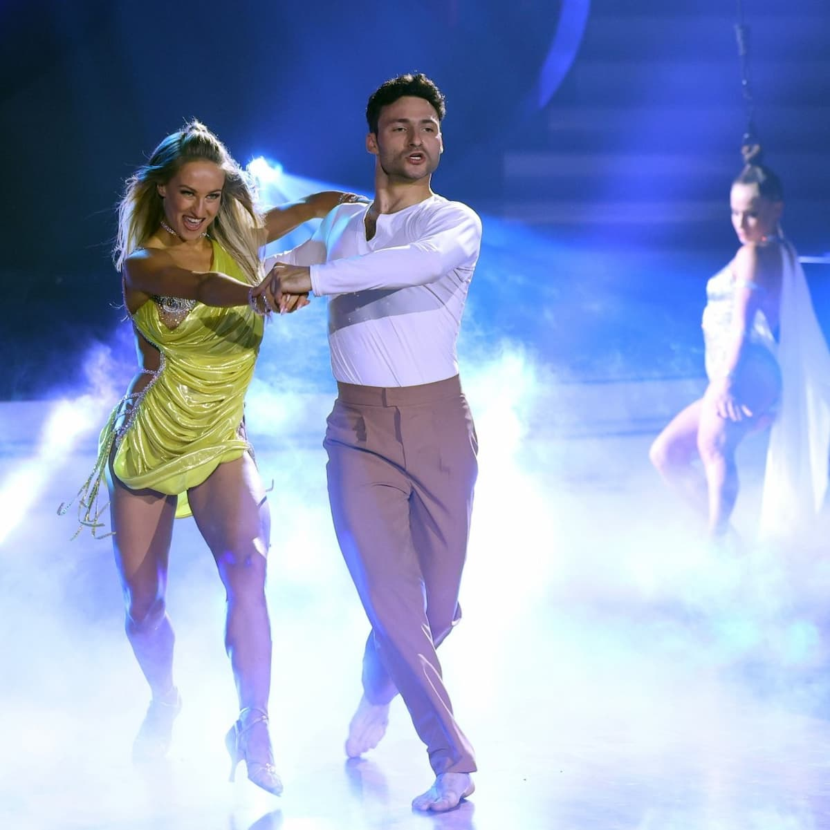 Oxana Lebedew, Robert Beitsch und Kashka Katharina Lebedew Profi-Challenge Let's dance am 4.6.2021