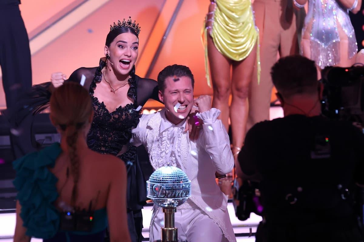 Sieger-Gewinner Let's dance Profi-Challenge 2021 Renata Lusin und Valentin Lusin
