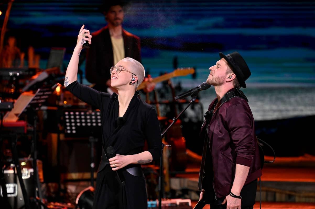 Stefanie Heinzmann und Johannes Oerding bei ihrem Duett bei Sing meinen Song am 8.6.2021
